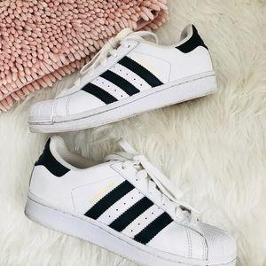Adidas superstar White & Black 4
